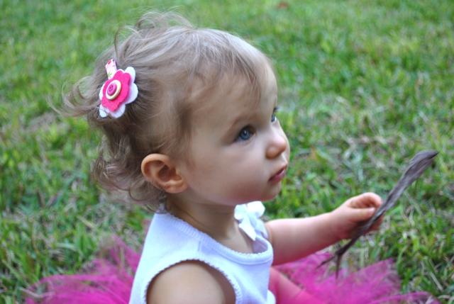 Betsy Crocker: Felt and Button Hair Bow